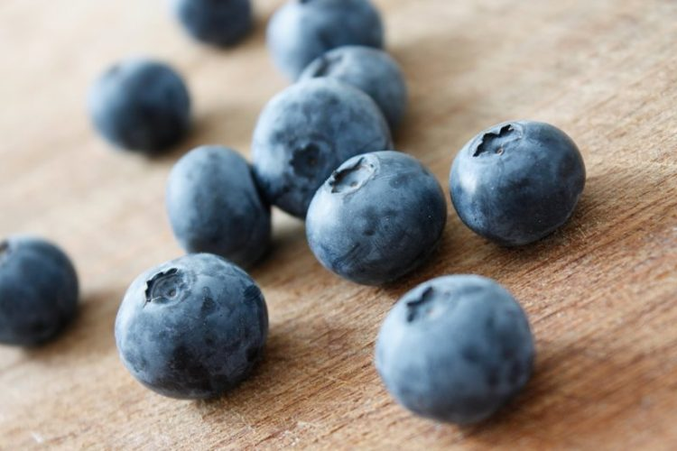 hydrating foods blueberries