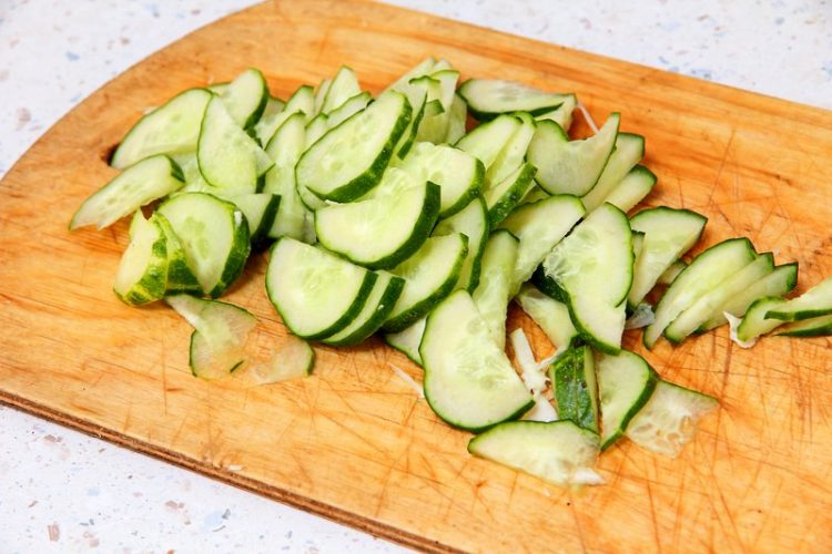 hydrating foods cucumbers
